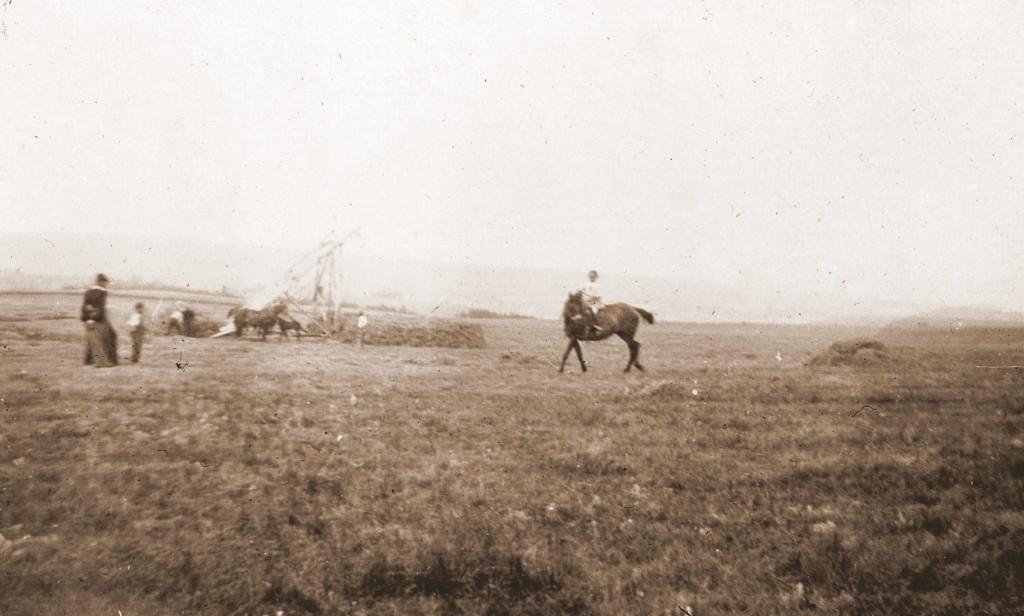 S de Galembert à cheval sur Topaze chez les Beaudrap